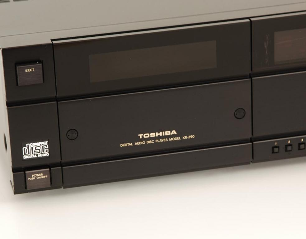 Toshiba XR-Z 90