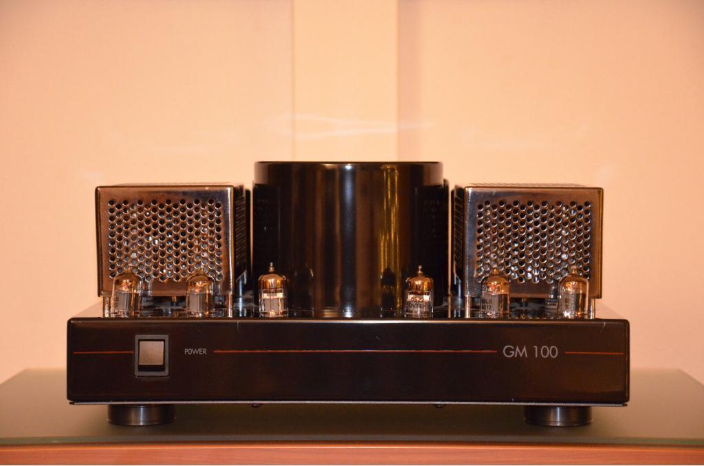 GM 100 High End Röhren Endverstärker 220 Volt 50-60 Hz