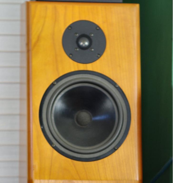 Etalon Basic - 2 Wege Lautsprecher (geschlossenes Prinzip)