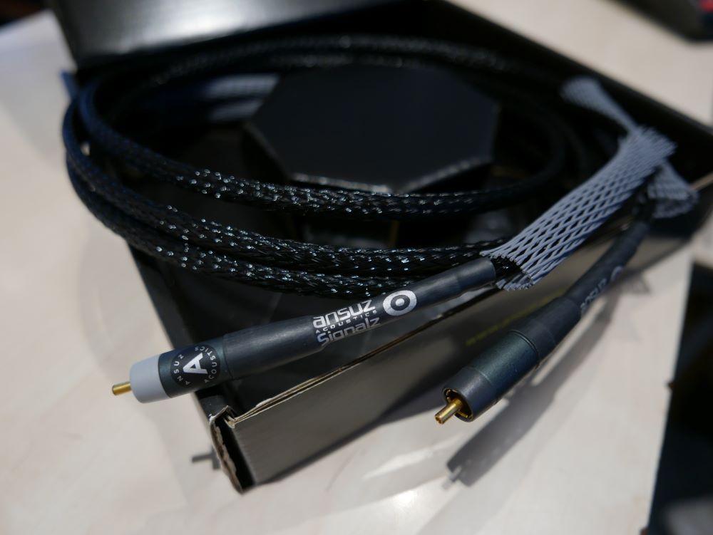 Ansuz acoustics Signalz A RCA