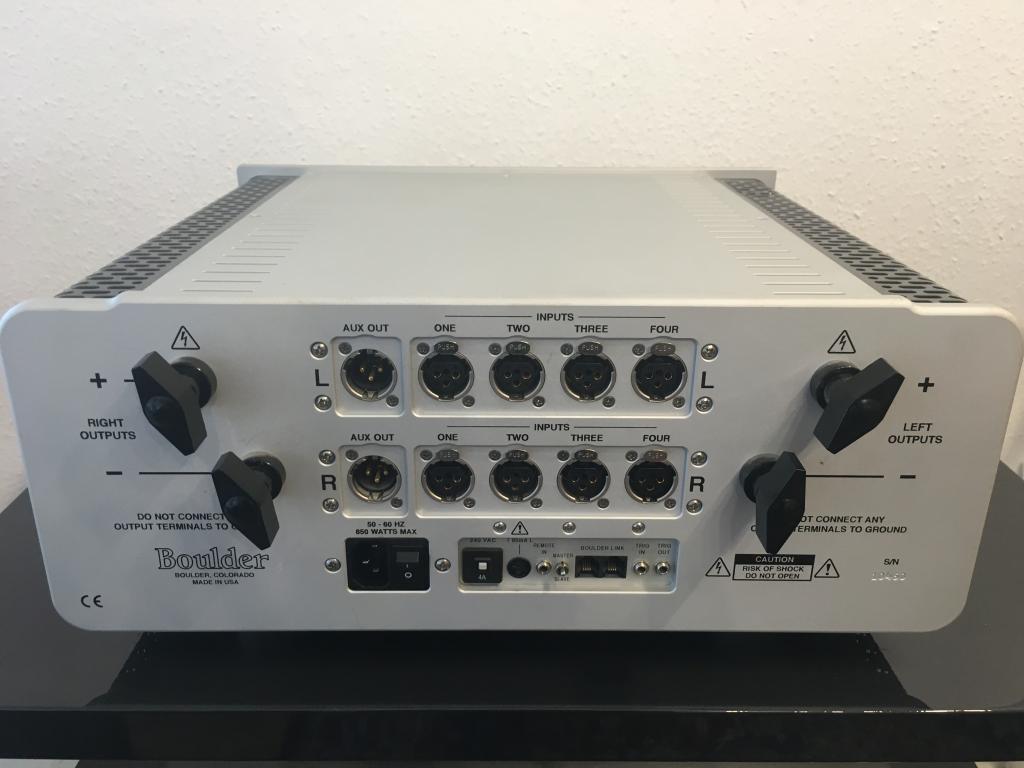 Boulder 865 Integrated Amplifier