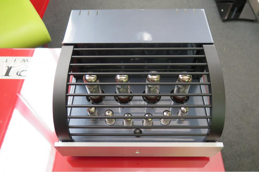 Dialogue Premium amplifier