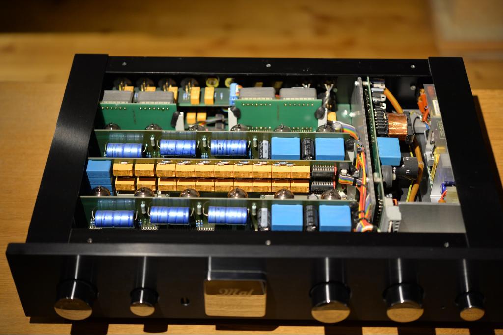 Preamp Three Line Vollsymmetrischer Röhrenvorverstärker