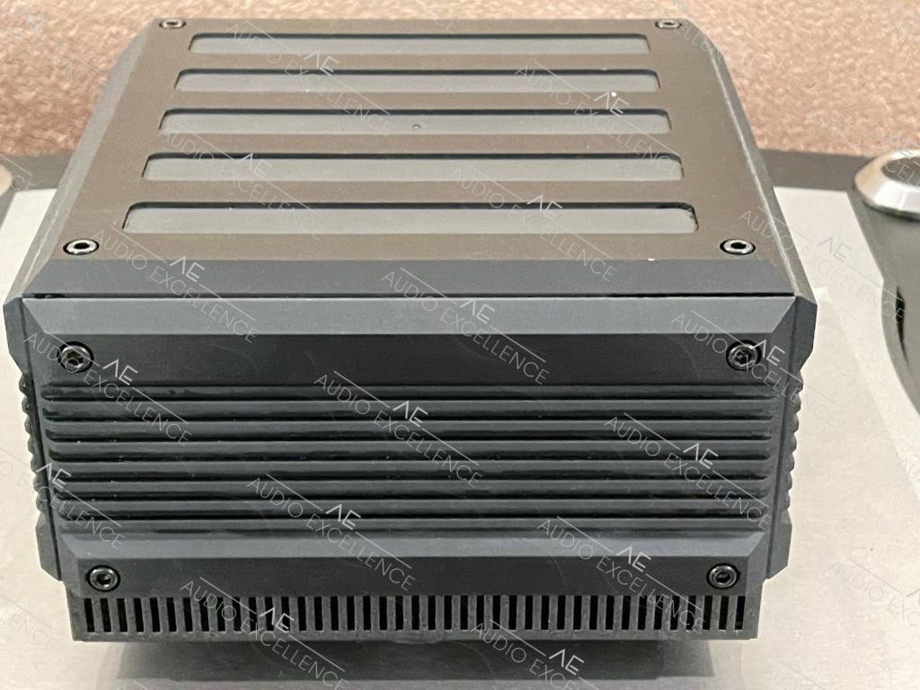 IsoTek Power Systems Ltd. Titan EVO3 schwarz mit Restgrantie