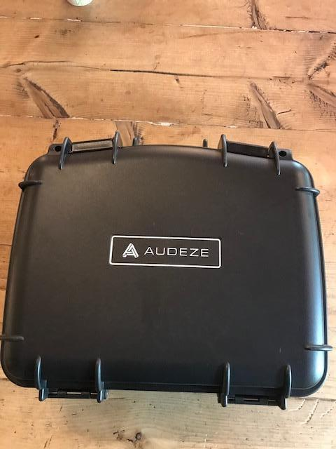 AUDEZE LCD4Z WITH AN ADDITIONAL AFTERMARKET 2.5 MM BALANCED CABLE