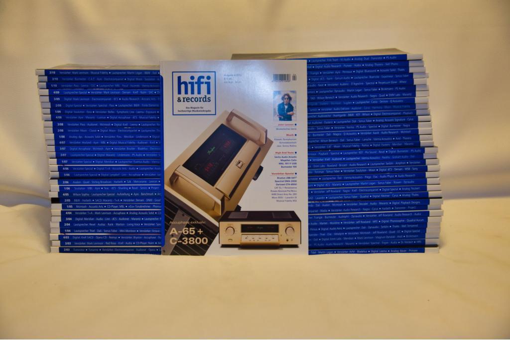 Hifi & Records Ausgaben 1/2003-3/2005 und 1/2006-4/2006 (4/2005 fehlt), privat aus Erstbesitz aus Nichtraucherhaushalt, guter bis sehr guter Zustand