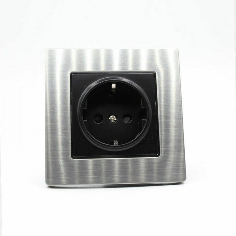 Audiophile schuko wall socket