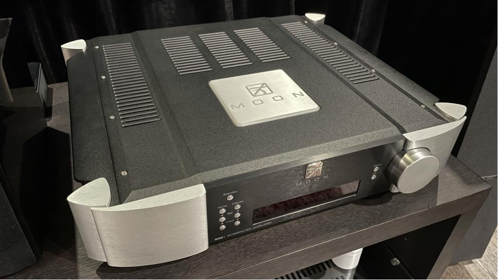 by SimAudio 600i V1