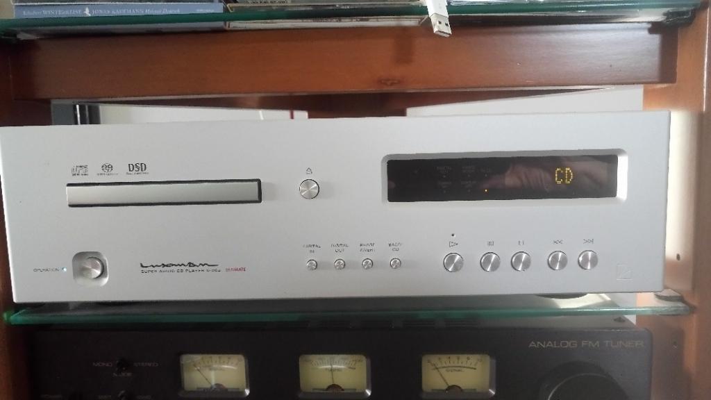 CD/SACD PLAYER + DAC D-06