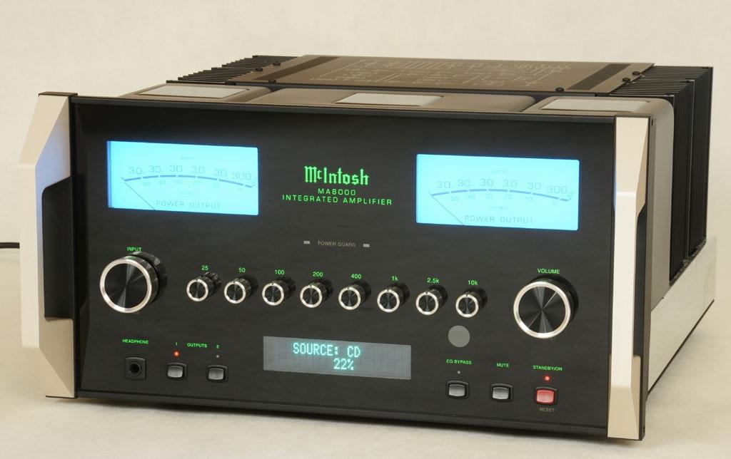 MA8000 - as new, still under warranty