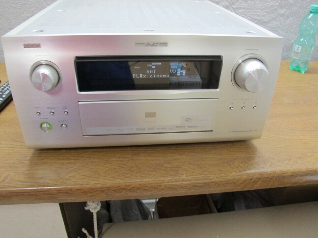 Denon AVP-A1HDA High End Surround Vorstufe in silber AV Pre Amp
