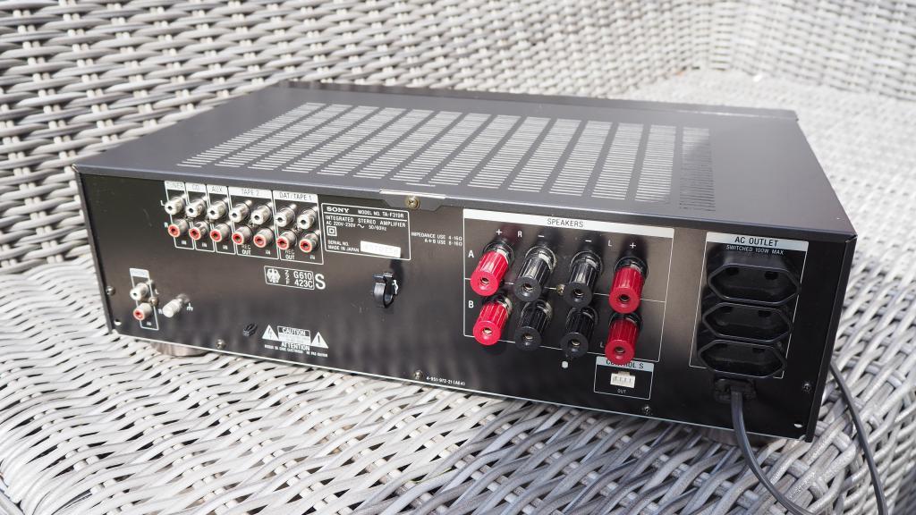 Sony F 319 R