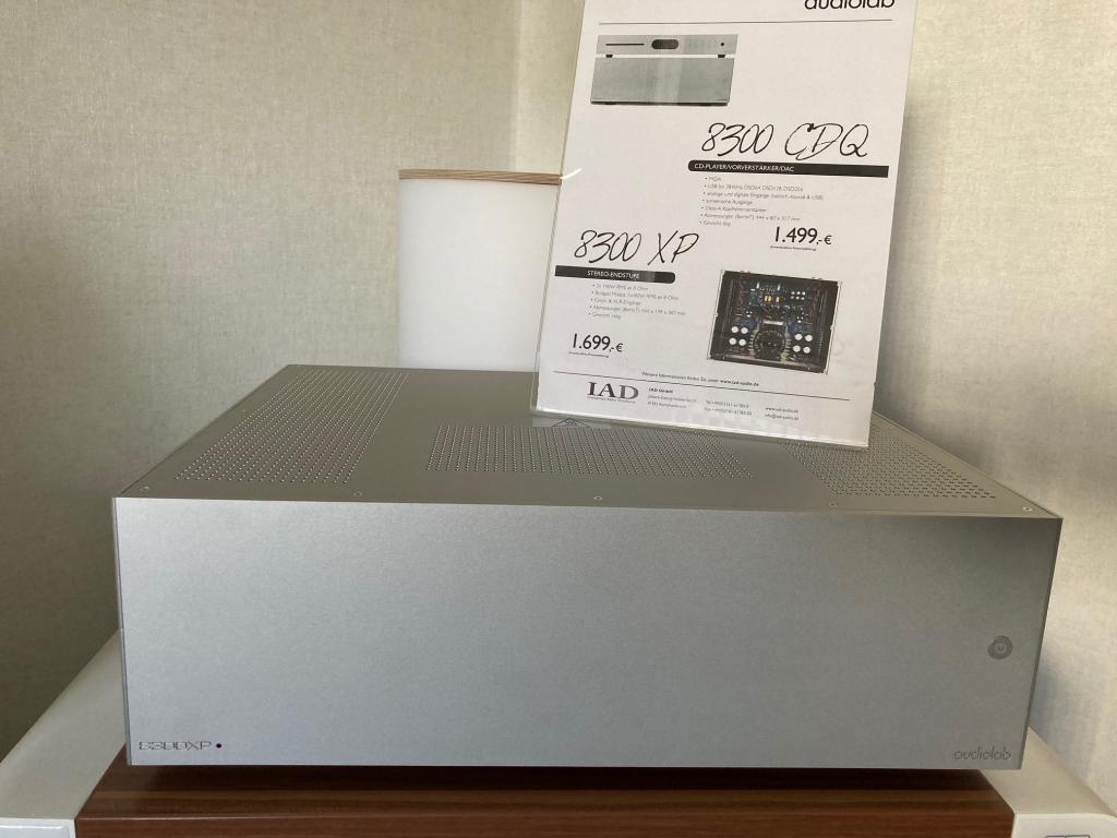 8300 XP silber Aussteller Top Zustand in OVP