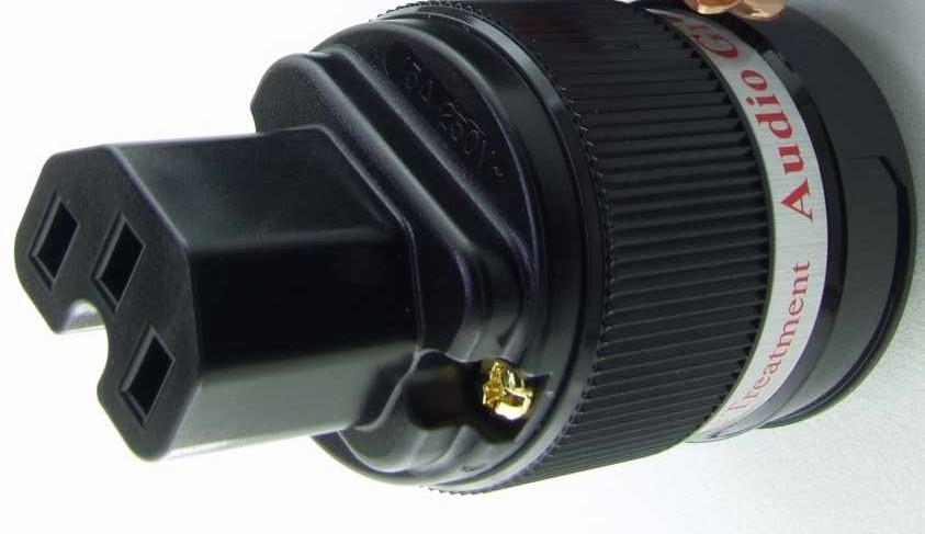 IeGo Feinsilber IEC (Kaltgerätestecker)