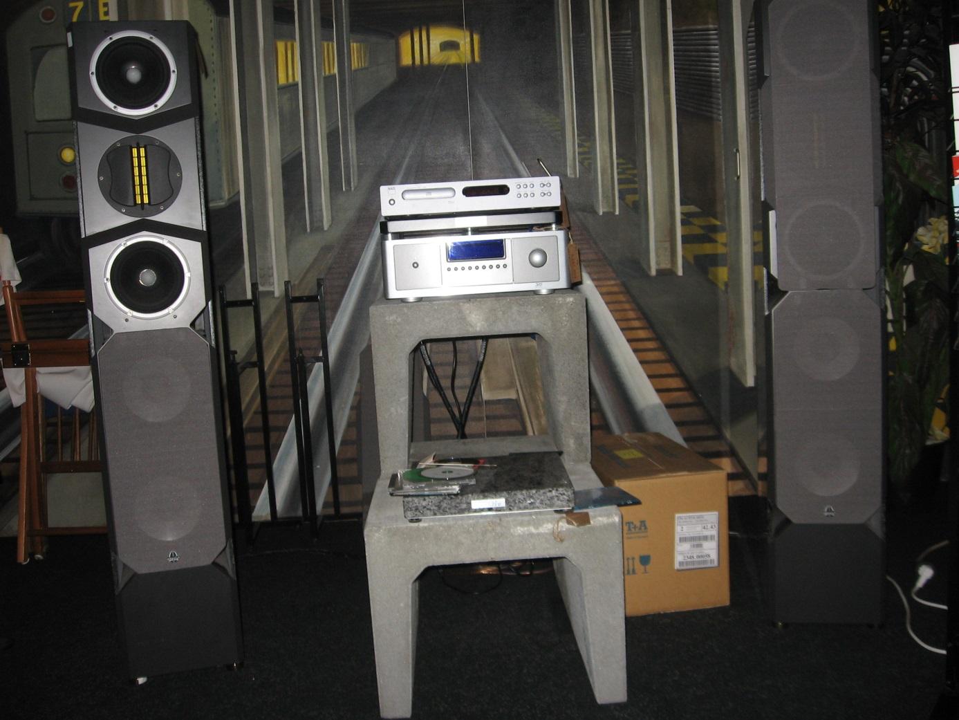 """""""Perfect Sound""""""""Perfect Sound""""MIT diesem TRIO: aus der Berliner Boxenschmiede""""absolute audio"""" mit de"""