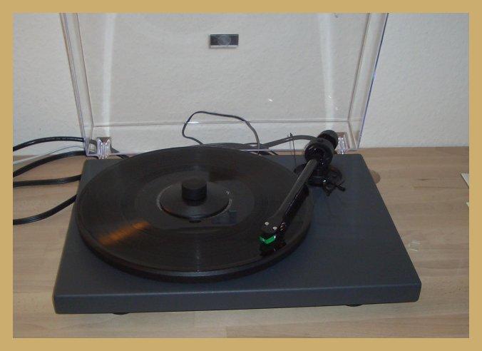 Pro-ject Plattenspieler mit Karbonarm - bei hoerbar in Hamburg
