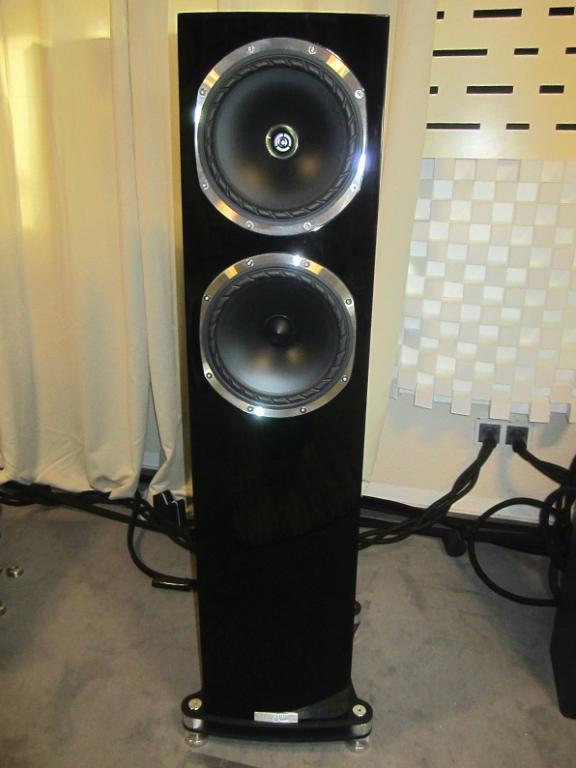 Fyne Audio Lautsprecher jetzt neu die F502SP Standbox