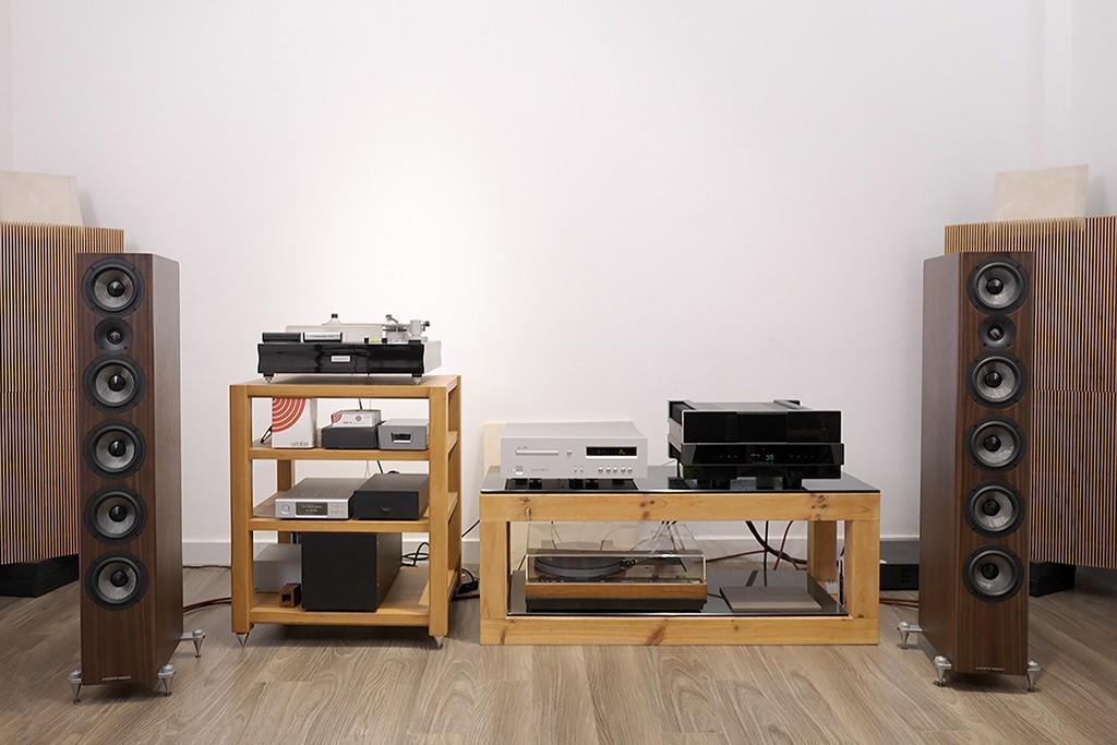 Audiophiles: ACOUSTIC ENERGY AE 520 – Der Top-Lautsprecher seiner Klasse  Acoustic Energy AE 520 Standlautsprecher bei Audiophiles im Test