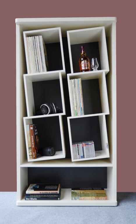 Das Schallplatten Regal mit den speziellen Fächern. Zur schonenden Aufbewahrung Ihrer Sammlung